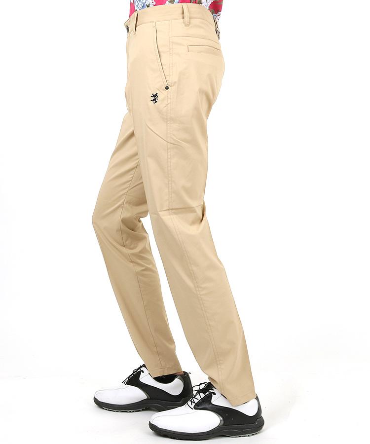 AM UJベルトループ刺繍◆吸放湿パンツのコーディネート写真