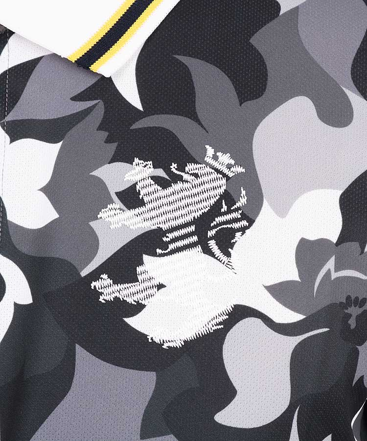 AM フラワーカモフラ柄ポロシャツのコーディネート写真