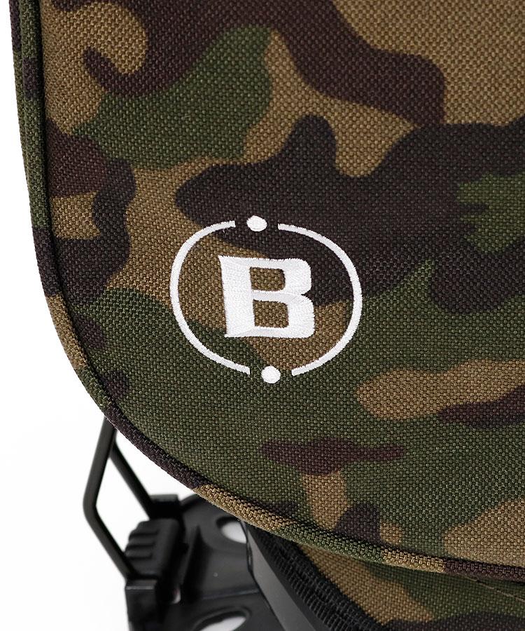 BR カモフラ柄ロゴ刺繍スタンドキャディ(カーキ)のコーディネート写真