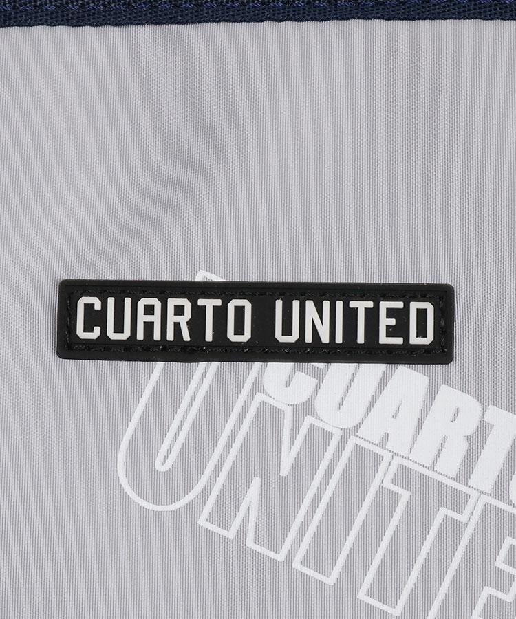 CU 【Edge】総柄ロゴ♪2層式ボストンのコーディネート写真