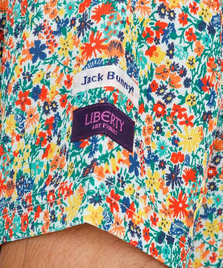JB 総フラワー柄◆吸水速乾ポロのコーディネート写真
