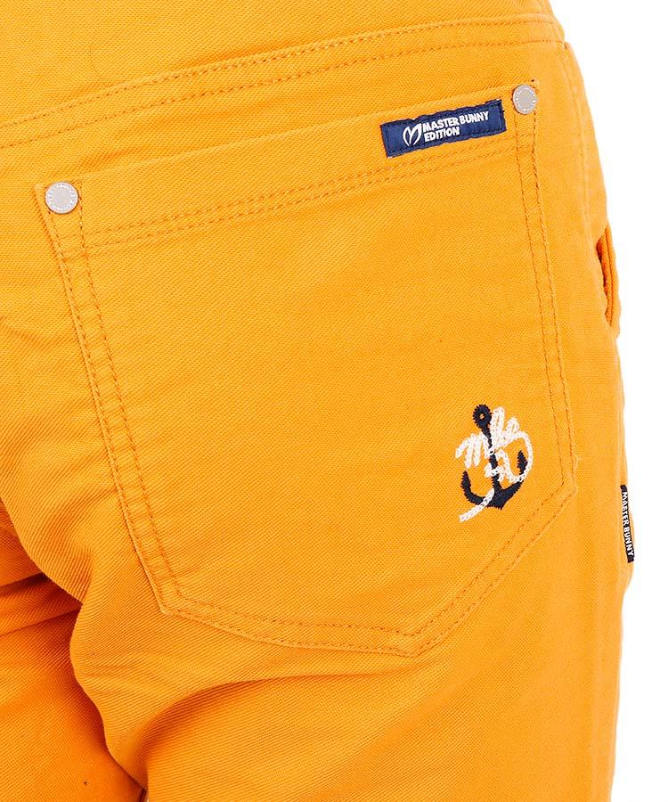 MB モールスキン定番ストレッチパンツのコーディネート写真