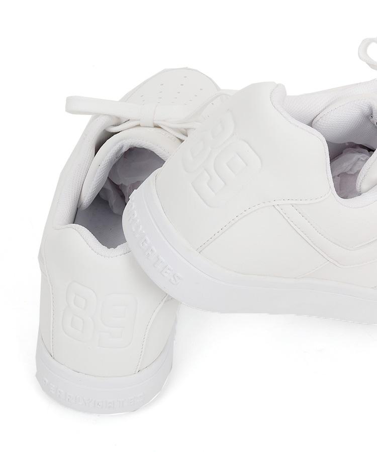 PG 「89」型押しロゴ◆ローカットスパイク_ホワイトのコーディネート写真