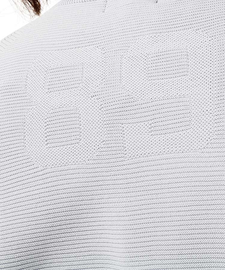 PG ロゴ織ホールガーメントクルーネックニットのコーディネート写真